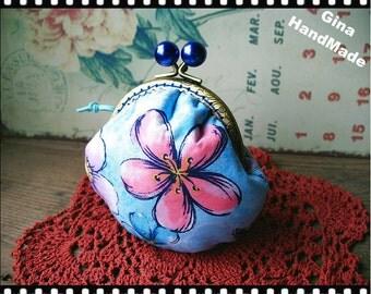 Flowers Blue bead Metal frame purse / coin purse / Coin Wallet / Pouch / Kiss lock frame bag-GinaHandMade