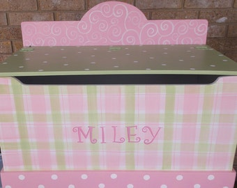 Pink and Green, Custom  TOY CHEST Toy Box, Toy Storage, Bench, Personalized, PINK,Kids Furniture