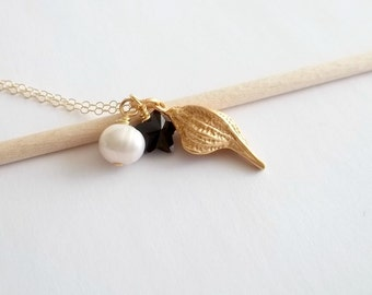 ON SALE Sea Shell Necklace Crystal Star and Pearl Necklace Summer Necklace Gold filled Necklace
