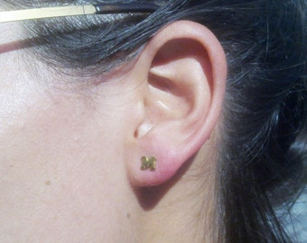14k solid gold  initial earring (one), personalized earring. Initial Stud  Earring - E108g - ElenadE