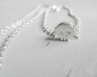 Petite Skull necklace, silver