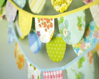 Scallop Bunting / Vintage Nursery Decor / Baby Girl Nursery / Vintage Fabric Bunting Banner / Rounded Flag Garland / Birthday Party Bunting