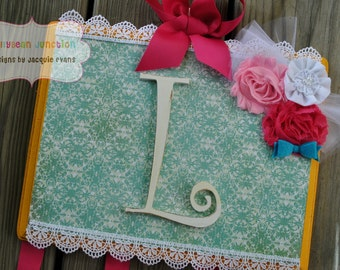 Bow Holder - VINTAGE FAB Design - XLarge - Handpainted and Personalized HairBow Holder