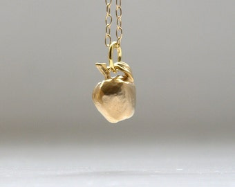 Apple necklace in gold