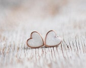 Post earrings - Pearly White Hearts