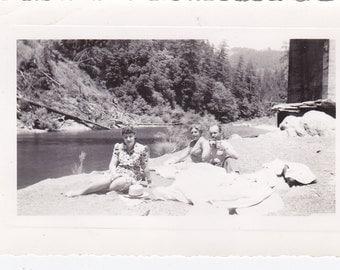 Riverbank Picnic - Vintage Photograph, Ephemera, Vernacular  (S)