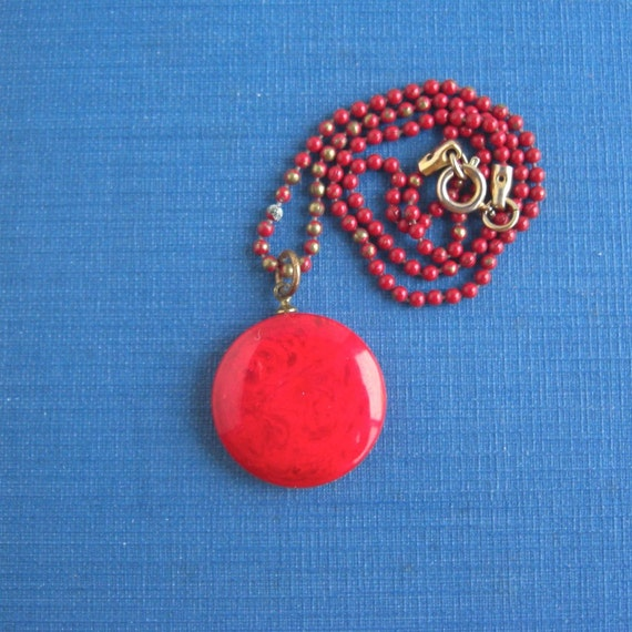 Vintage Red Marbled Bakelite Necklace - Short Red Chain