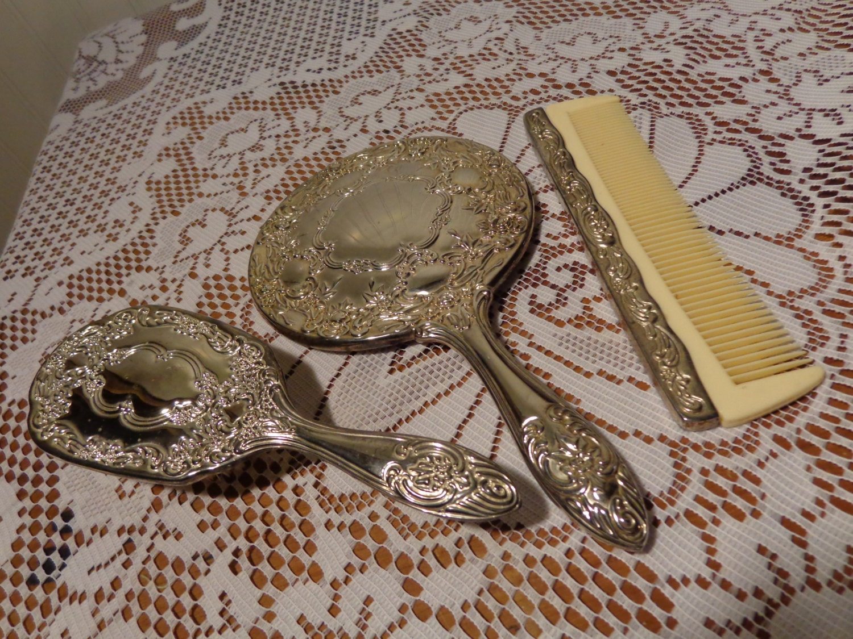 Espejo de mano vintage plata cepillo y peine vanidad conjunto for Espejo vintage plateado