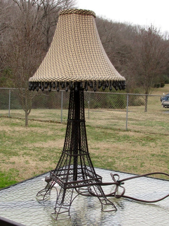 vintage eiffel tower table lamp and shade by catiques on etsy. Black Bedroom Furniture Sets. Home Design Ideas