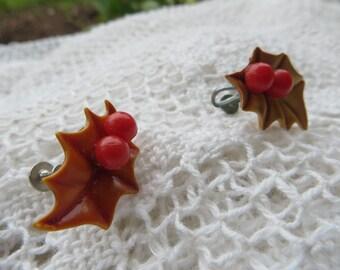 Leaves and Berries Resin or Plastic Screw on Vintage Earrings Brown and Red