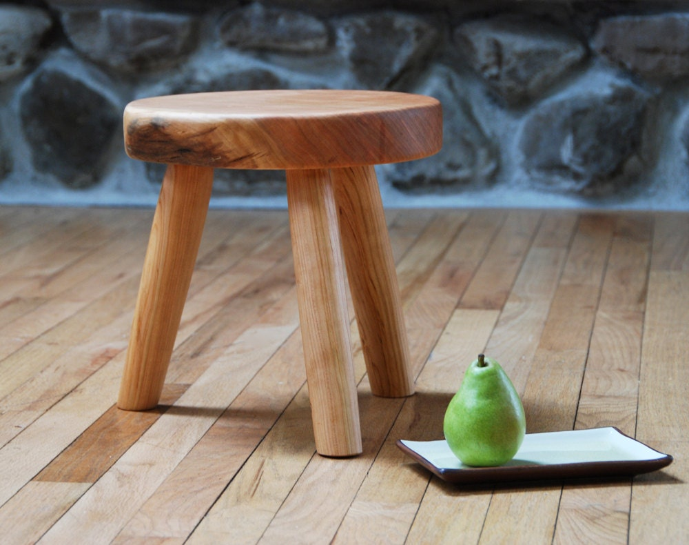 Milkmaid Stool Wooden Three Legged Stool Eco Friendly Cherry