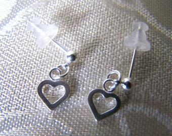 Earrings Open Heart Cutout Post