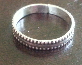 Vintage Sterling Silver 925 Band Ring 1980s Repeating Pattern Wedding Band Size 8