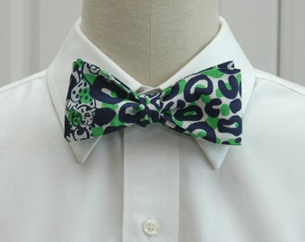 Lilly Bow Tie in Thrill of the chaise in navy, white and green (self-tie)