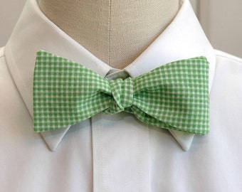 Men's Bow Tie in grass green mini gingham (self-tie)