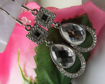 Fashion Jewelry- Lovely Smooth Square Crystal Glass Rhinestone with Oval Crystal Glass Silver Earrings