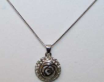 Fashion Jewelry- Lovely Smooth Round Crystal Flower shape Pendant with Rhodium Plated Necklace