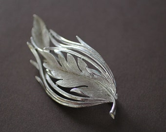Silver Feather Brooch in Art Nouveau Style