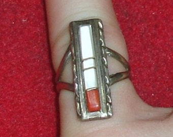 Vintage Sterling Silver Native American Zuni Inlaid Coral and Mother of Pearl  Ring Size 6