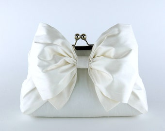 Silk Bow Clutch in Ivory or White, Wedding clutch, Wedding bag, Bridal clutch, Wedding purse, Bridesmaid clutch