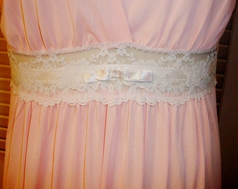 """Sale! VINTAGE Long NIGHTGOWN, """"KAYSER"""" Brand, Size 36, Gorgeous Peach w/Ivory Lace & Ribbon, Bow, Criss-Cross Bustline"""