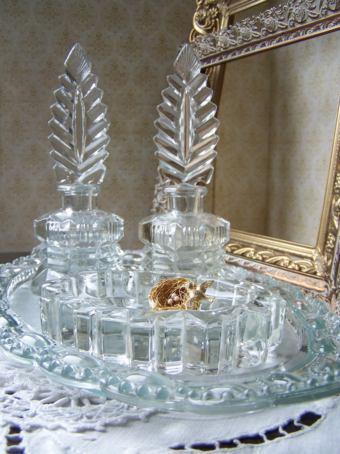 Vintage glass decorative perfume bottles by for Decorative vials