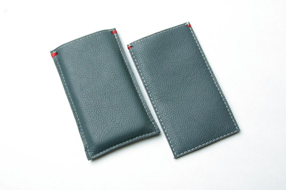IPHONE 5(s) COVER - full leather and wool felt lining - grey - green - Special - handmade in Holland - red detail