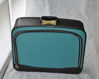 Vintage Suitcase Mid Century 1960's Softside Luggage Overnight Bag Turquoise Blue With Key Mad Men Style