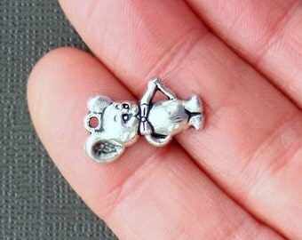 8 Mouse Charms Antique  Silver Tone Just Adorable -  SC1971
