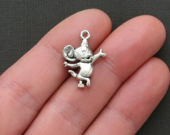 6 Mouse Charms Antique  Silver Tone Just Adorable -  SC1668