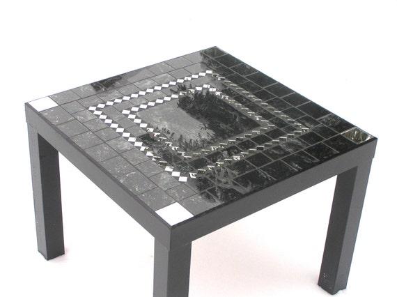 table basse mosa que noir orn de miroir moderne. Black Bedroom Furniture Sets. Home Design Ideas