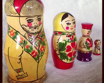 Vintage Mastryoshka Dolls, Stacking Nesting Doll RARE Made in USSR Family, Mother Father Son Daughter 4 Piece Wooden Set