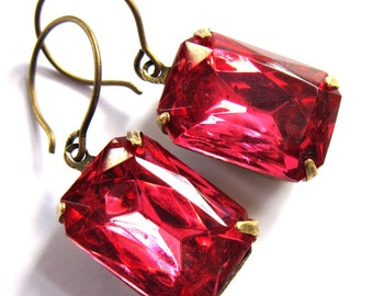 Traditional Pink Glass Claw Set Evening Earrings Classic Fashion Jewelry