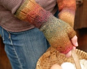 Women's fingerless mittens with scallop edging - heathered autumn tones
