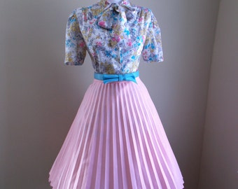 VINTAGE 1960s 1980s Womens Pink Accordion Style Pleated Full Skirt