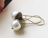 Acorn Earrings. Swarovski Cream Pearl Brass Acorn Earrings. Kidney Ear Wire Acorn Earrings. Fall Jewelry Autumn Earrings, Bridal Earrings