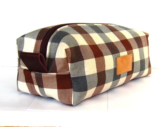 Wool dopp kit  men s shaving kit  wash bag  toilet bag  plaid pattern. Wool dopp kit men s shaving kit wash bag toilet bag