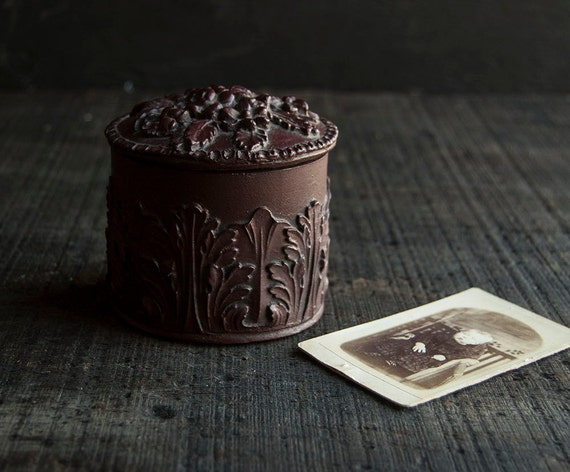 Jewelry Box - Victorian Brown Carved Floral