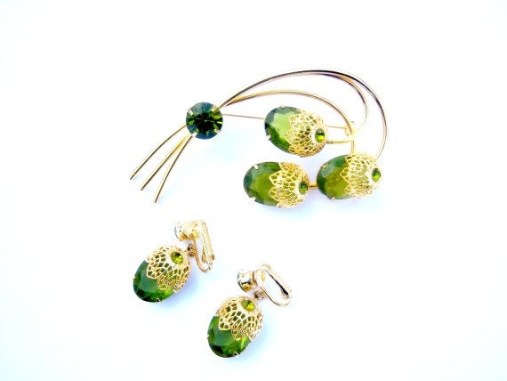 Vintage Sarah Coventry Olive Green Brooch Earring Set Home Decor New Orleans Vintage Shop Holiday Retro Vintage