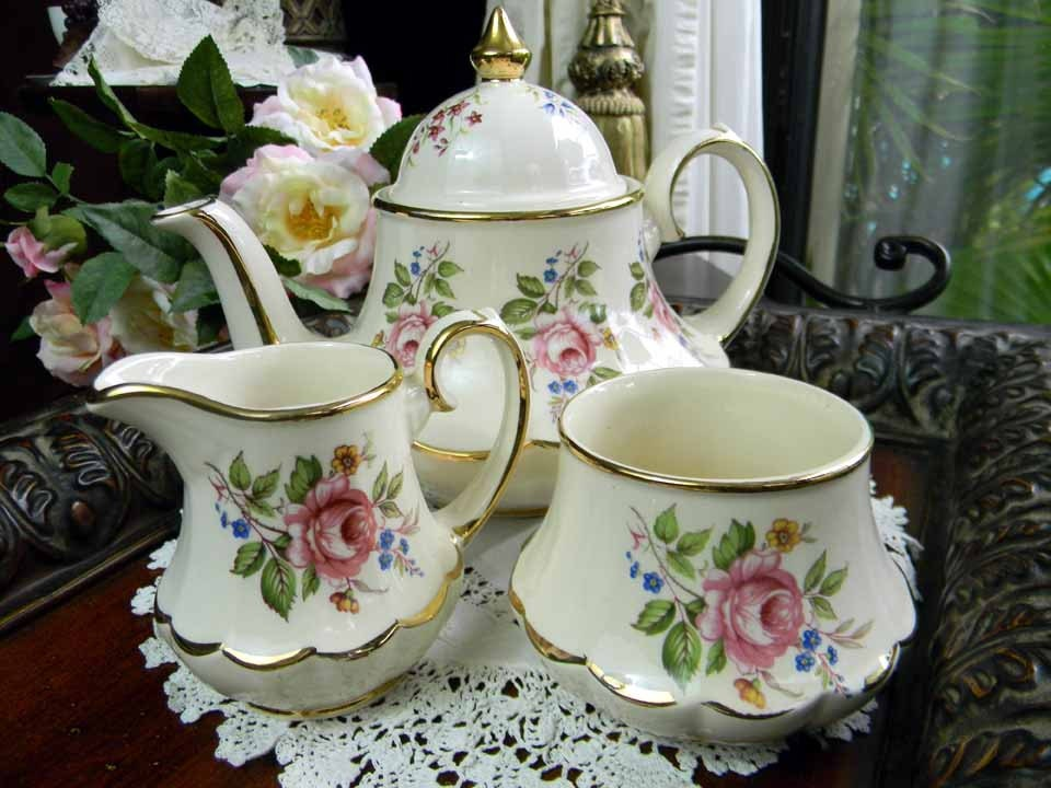 Sadler Teapot Tea Pot Creamer And Sugar Set Pink Roses England