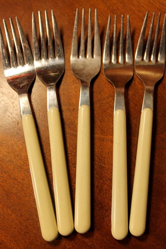 Funky Flatware With Cream Colored Handles Great For Craft