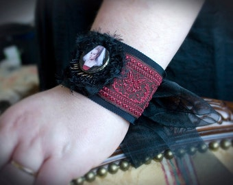 Red Madrigal Renaissance Lady Fabric Cuff