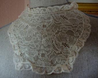 1920's Vintage Antique Offwhite Lace Dress Collar Neckline Insert Applique Jabot Ruffled