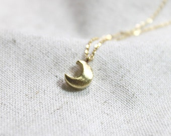 Simple chubby crescent moon Necklace - S2233-2