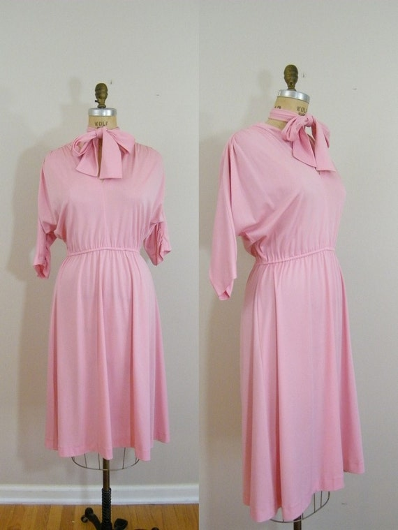 Vintage 1970s Pink Dress / Neck Tie / Long Sleeved Dress