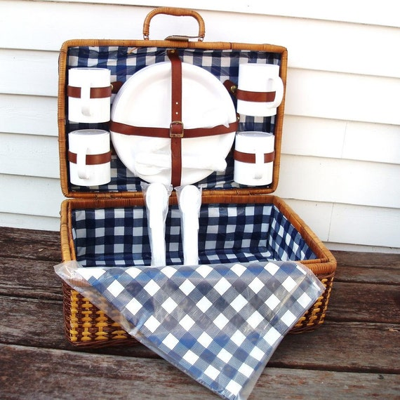 Large Picnic Basket, Wicker Bag, Blue White, Set of 4, Checkered Tablecloth / Brown