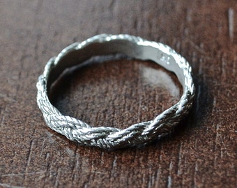 2-pass Sterling Nautical Knot Ring