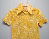 Vintage 1970s Polo Shirt size aprox SMALL