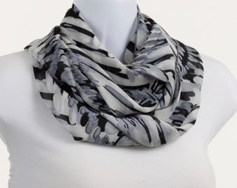Abstract Design Wide Infinity Scarf - Shades of Gray with Black ~ SH153-L5