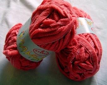 Ruffle yarn, lambada lame, flamenco, can can, fantasy, sashay. Pink (30)